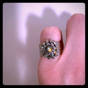 Flowery pinky ring